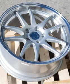 DS02 DS02 18X8.5 5X114.3 Silver Machined Lip